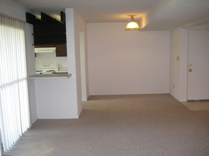2 bedroom/1 bath condo